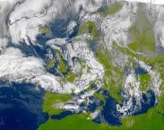 Satellietbeeld 3 januari 2018 12:00 uur MET. Stormvloedverslagen Rijkswaterstaat