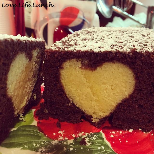 Plumcake al cacao con cuore alla vaniglia