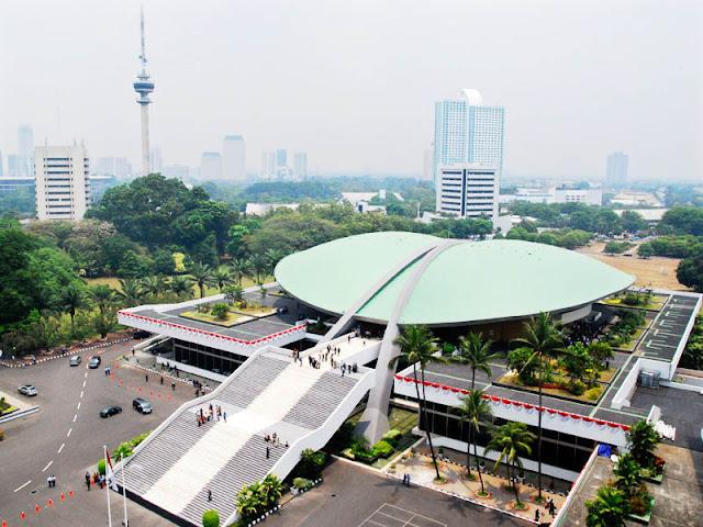 Negara Bangkrut Tapi Pembangunan Gedung Baru DPR Jalan Terus