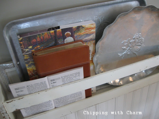 Chipping with Charm:  Small Kitchen with Junky Details...http://chippingwithcharm.blogspot.com/