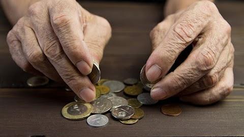 2,7 százalékkal emelkednek a nyugdíjak jövőre
