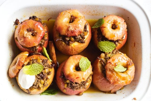 Persian baked apples recipe