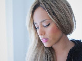 Французская певица Amel Bent
