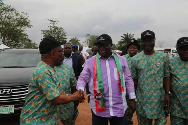 Ikpeazu extols Abia workers for their support