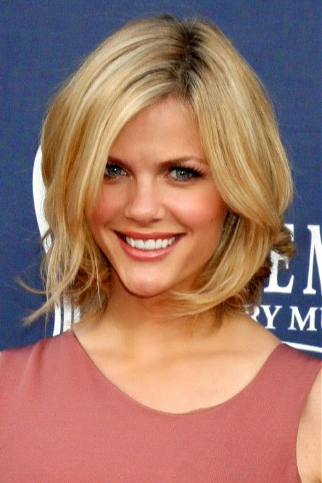 Large image of medium blonde straight hairstyles provided by Celebrity Hairstyles See more http://www.womensandmenshairstyle.net/