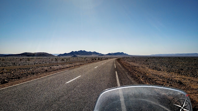 cruzando el Djebel Rhart
