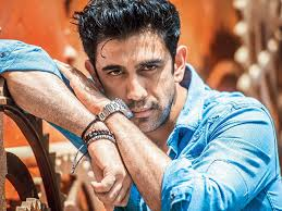 Amit Sadh Family Wife Son Daughter Father Mother Age Height Biography Profile Wedding Photos