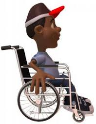 chico montado en una silla de ruedas