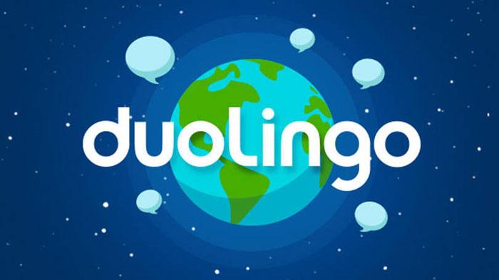 Una de las plataformas para estudiar idiomas más conocidas en estos momentos. Estructurada como un juego tienes que ir superando ejercicios para desbloquear el siguiente nivel. Vas ganando puntos, lingots y badgets que te animan a continuar.