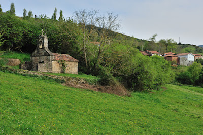 Ermita de Santa Bárbara de Loreda, Salas