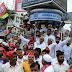सपा कार्यकर्ताओं ने सड़कों पर उतरकर सत्ताधारी बीजेपी सरकार के खिलाफ जमकर नारेबाजी