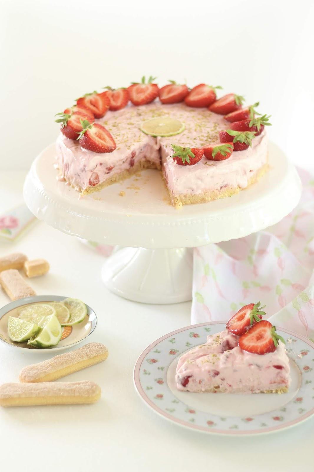 Erdbeer-Eistorte ohne Backen