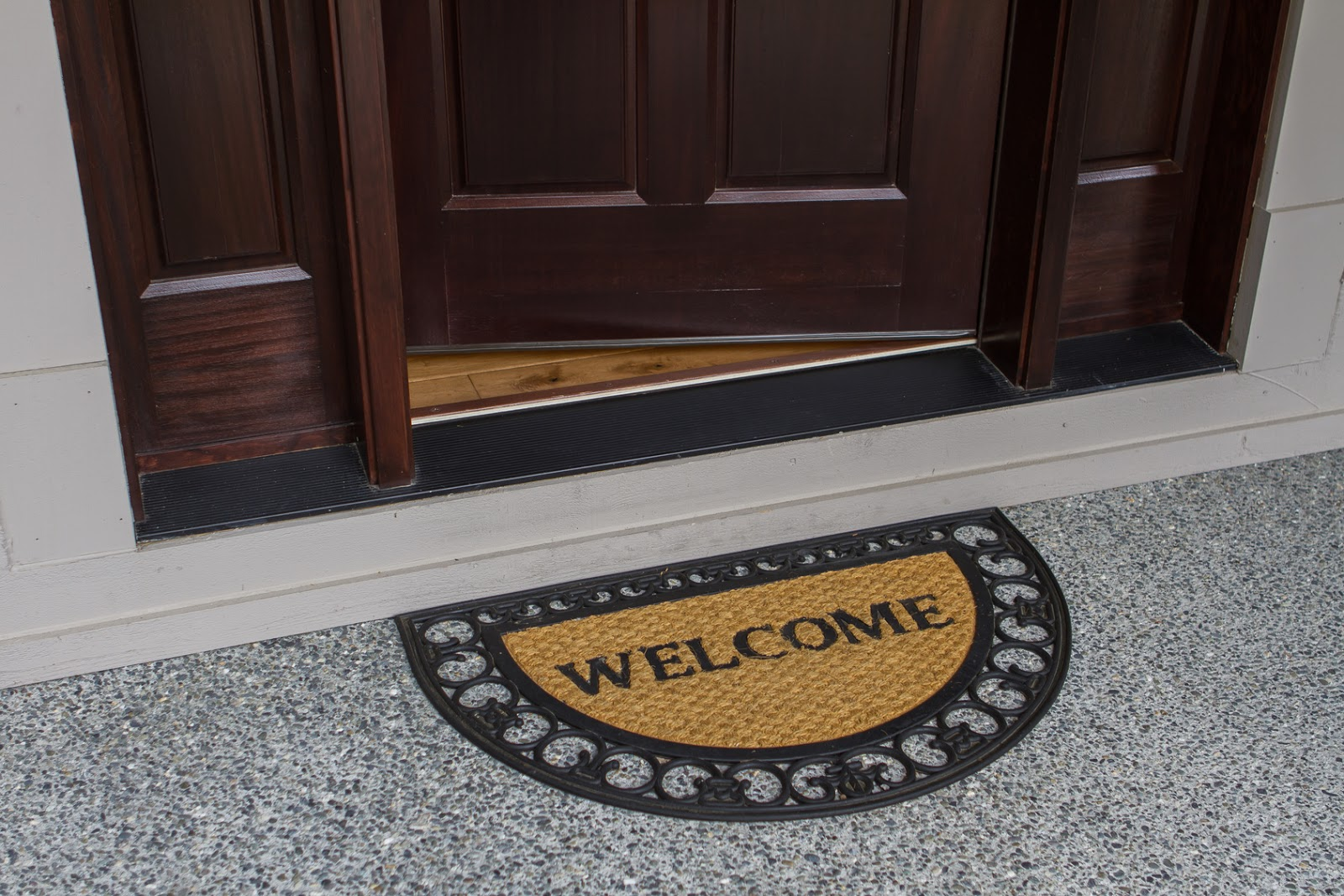 Sitepro Home Inspections Should A Front Door Open In Or Out