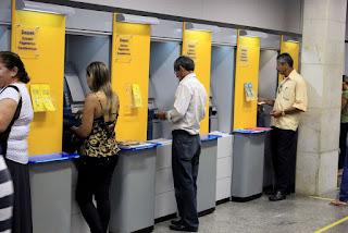Bandidos violam caixa eletrônico do Banco do Brasil e fogem levando todo o dinheiro em João Pessoa