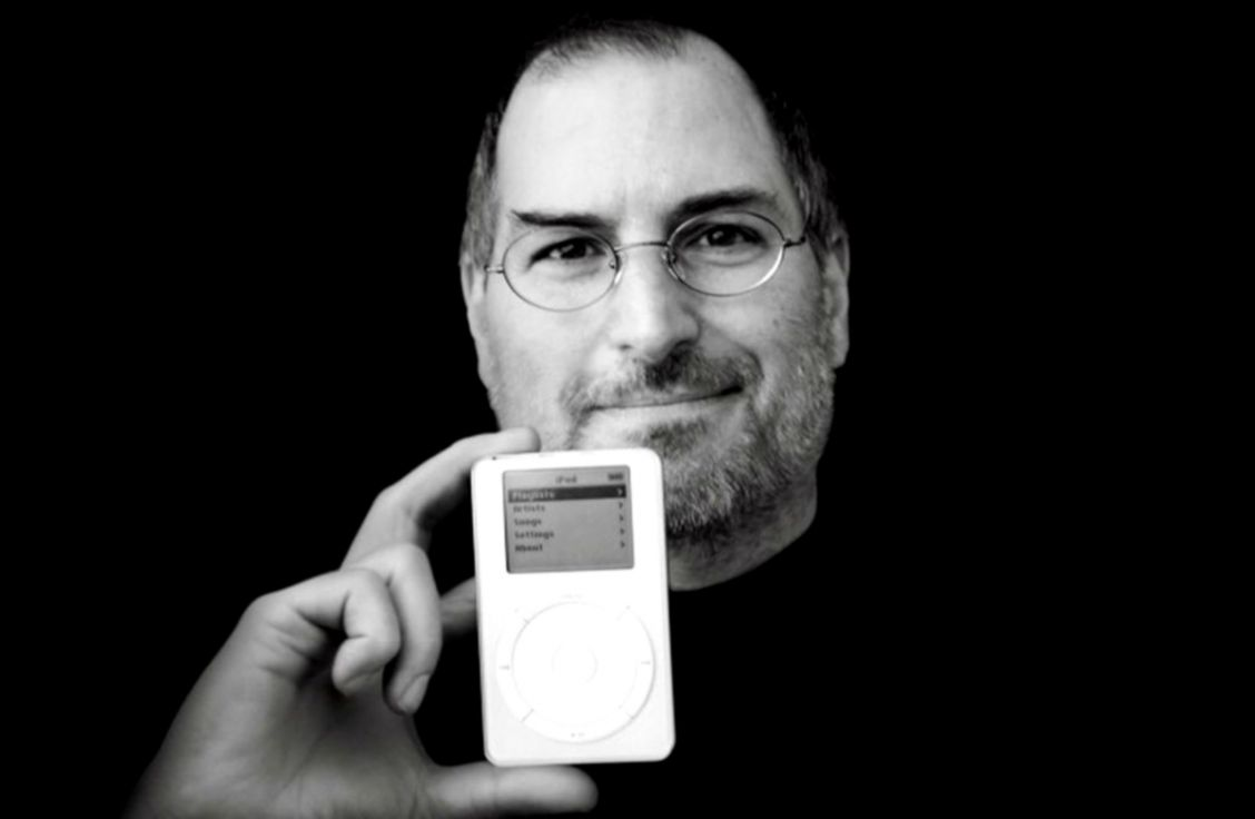Steve Jobs With Apple Old Photo Wallpapers Simple