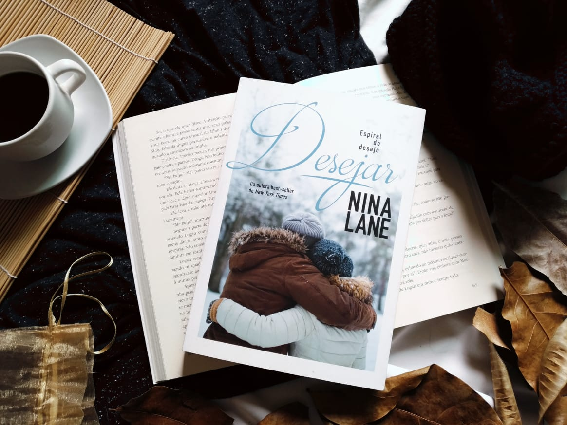 RESENHA DO LIVRO: DESEJAR - NINA LANE