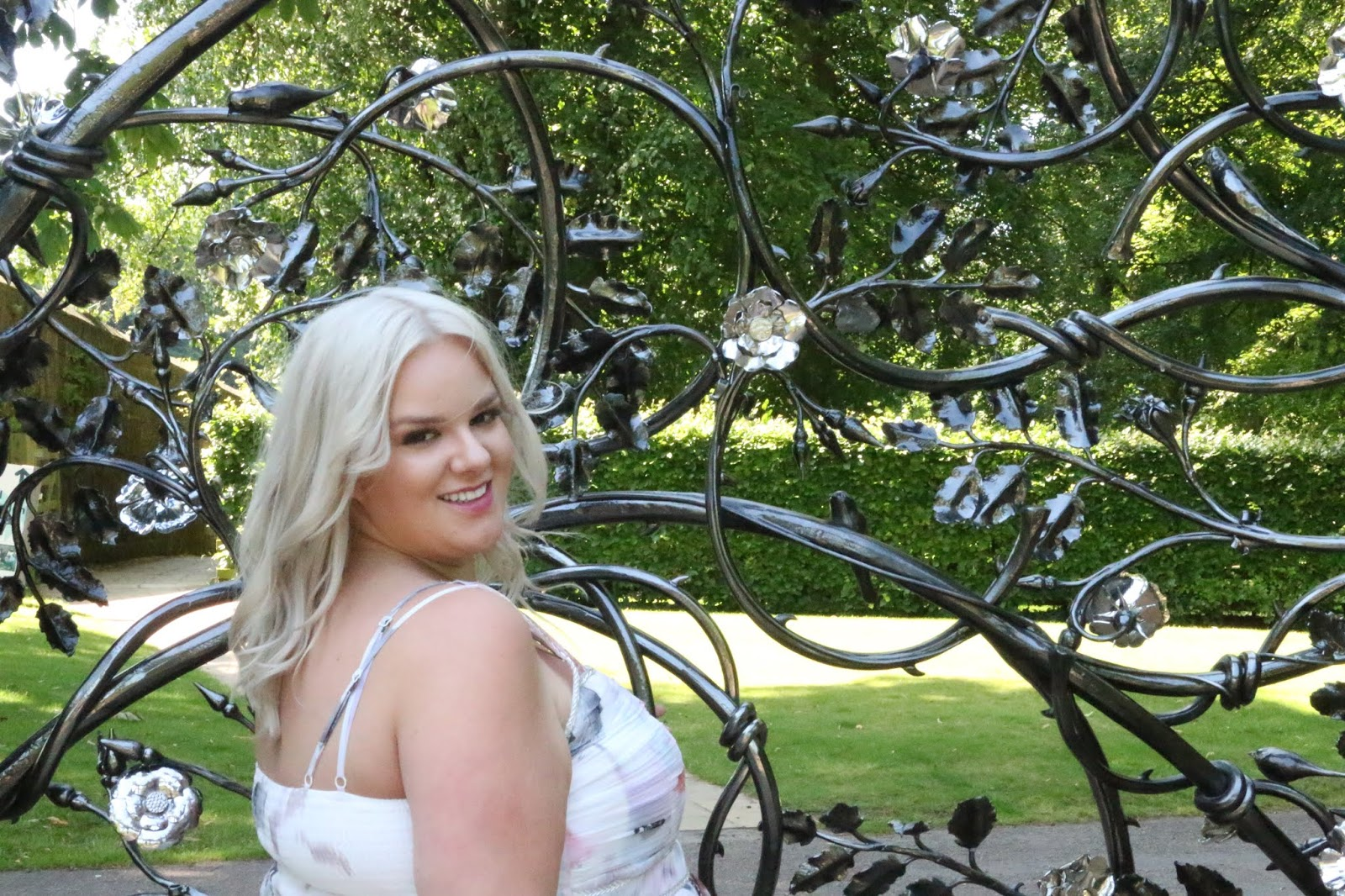Prom Night Planning & Getting Ready Tips by UK Plus Size Fashion Blogger WhatLauraLoves