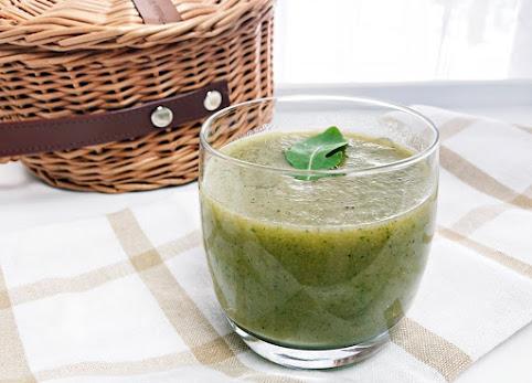 Koktajl z rukolą - przepis na zielony koktajl, słodki i bez cukru