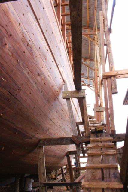 pembuatan kapal phinisi bira bulukumba