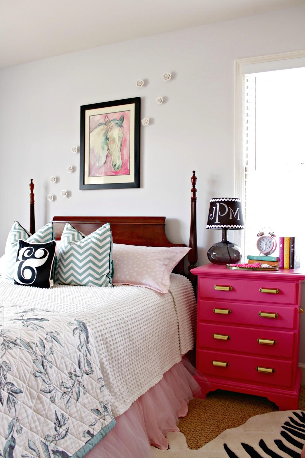 Pink nightstand infarrantly creative for Little girls nightstand