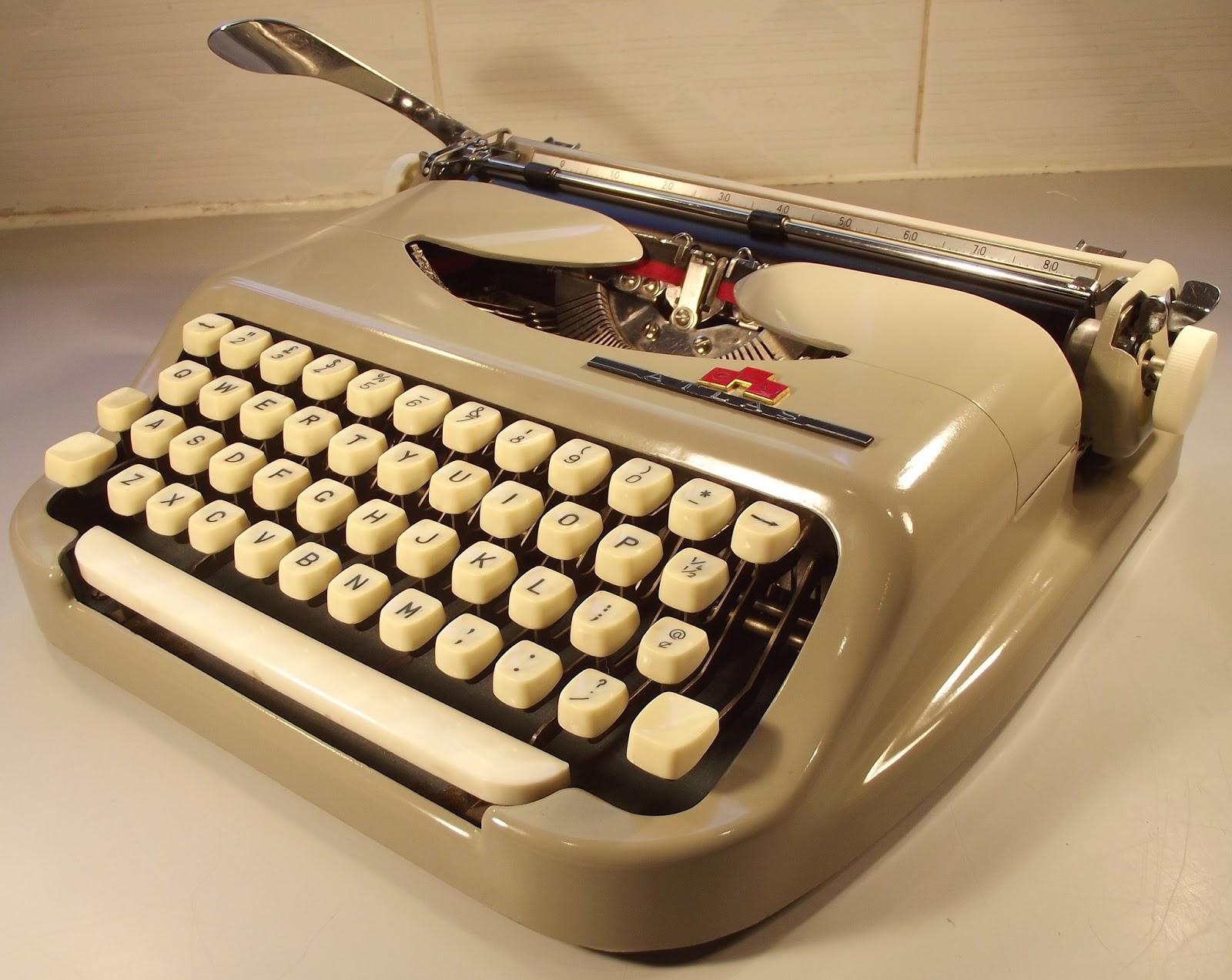 oz Typewriter: Atlas Portable Typewriter