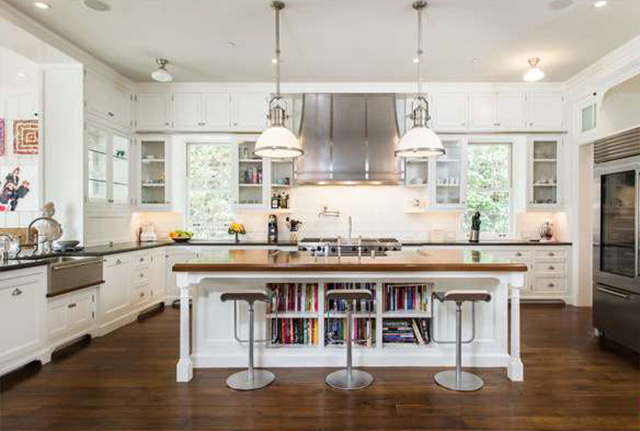 Traditional style white kitchen in Cliffwood traditional mansion home designed by Steve Giannetti in Brentwood Park