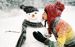 Girl Kising Snowman HD Wallpaper