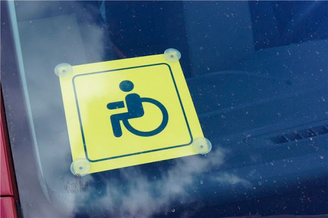 В ПДД внесен ряд поправок, касающихся знака «Инвалид»