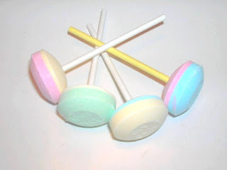 The 1990's tag bonbons