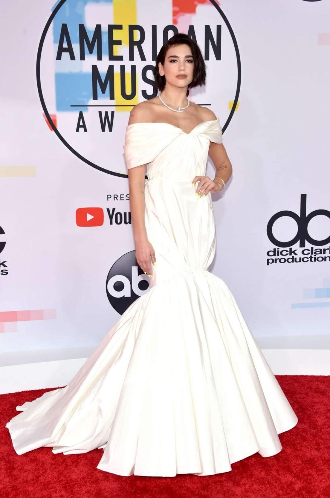 Dua Lipa wears bridal white to the 2018 American Music Awards