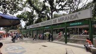 Los horarios y precios del parque Generalísimo Francisco de Miranda o Parque del Este. Entrada principal del Parque de Este