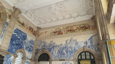 (Almost) Wordless Wednesday - tile work, S. Bento train station, Oporto, Portugal