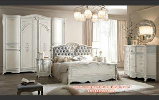 Set kamar tidur minimalis mewah