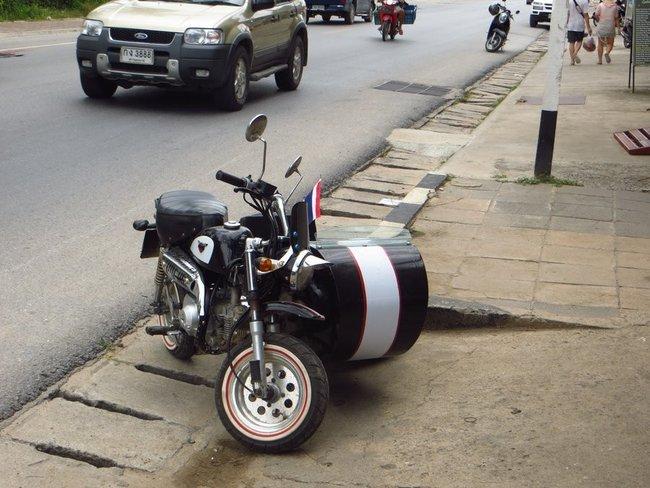 Мальнький мотоцилк