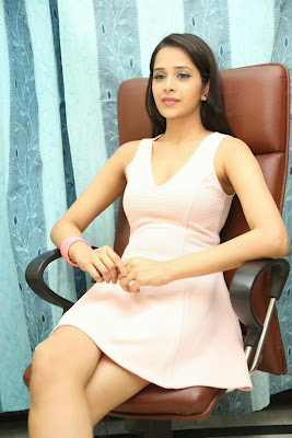 Abha+Singhal+Latest+Stills+(9) Actress Abha Singhal Spicy Photo Gallery in Skirt