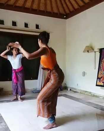 Traditional Balinese Dance Ubud | Ummi Goes Where?