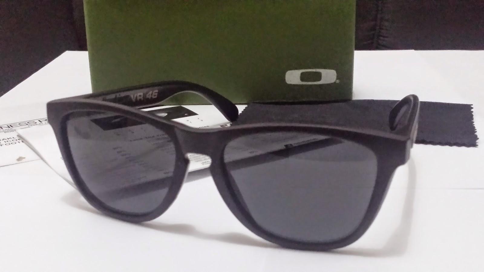 eda7381d0 Foi também o momento em que os óculos de sol Oakley criou um-de-um-tipo  chamado Frogskins®. Nós ressuscitou o ferramental original do início dos  anos 80, ...