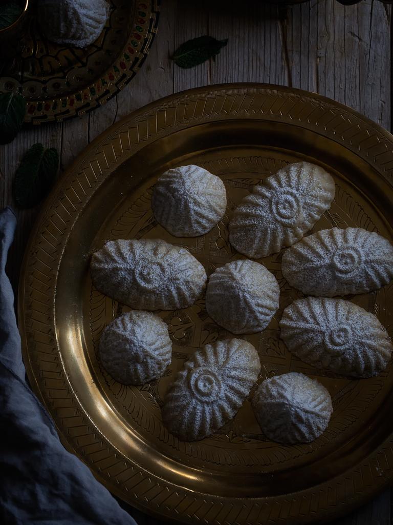 galletas-maamoul-de-pistachos-y-de-nueces-con-dátiles