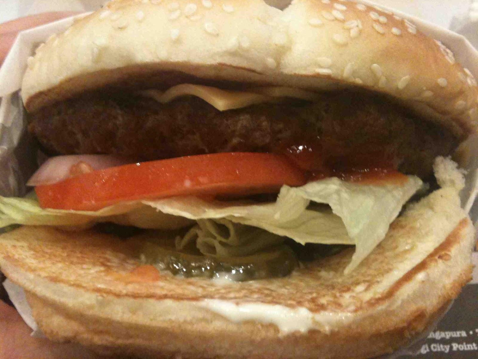 mf's mini world of mf-ism: Fast food beef burgers in Singapore