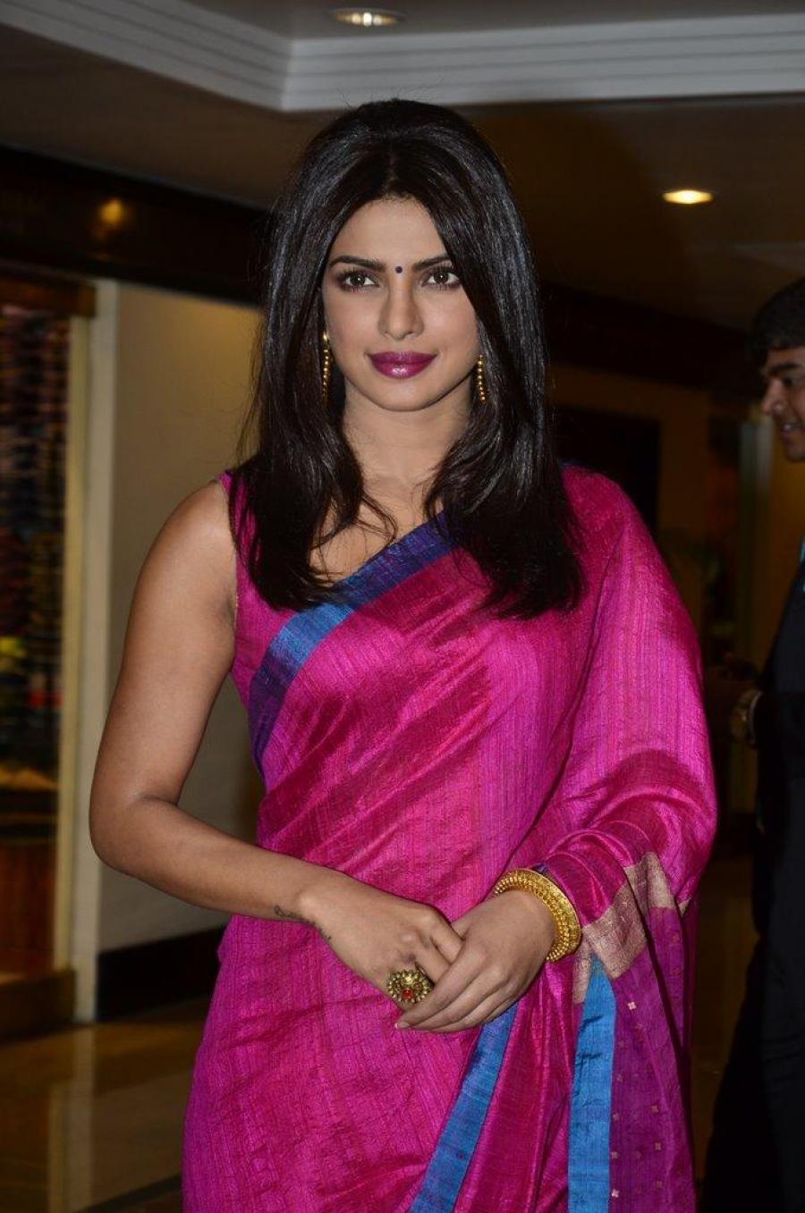Priyanka Chopra Hot Stills At Awards Function In Pink Saree