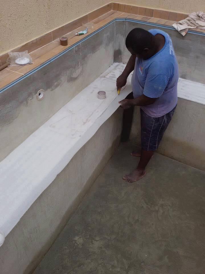 C mo construir una piscina de material construccion y for Como hacer una piscina de concreto