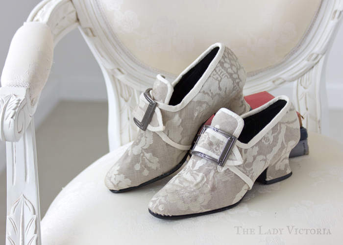 1700's shoes