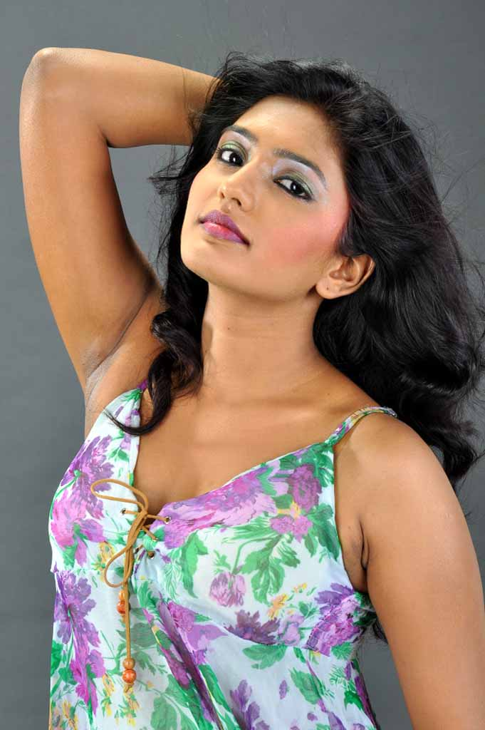 Telugu Actress Eesha Hot Photos - Hd Group Sex-4529