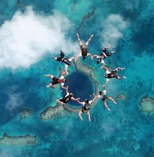 Foto de paracaidistas