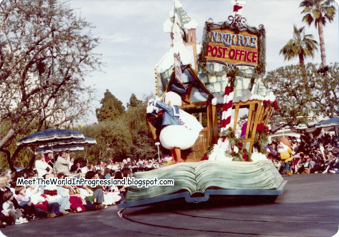 Anciennes Parades des Resorts Américains 1981%2BFantasy%2BOn%2BParade%2B-%2BPlaza%2B%25289%2529