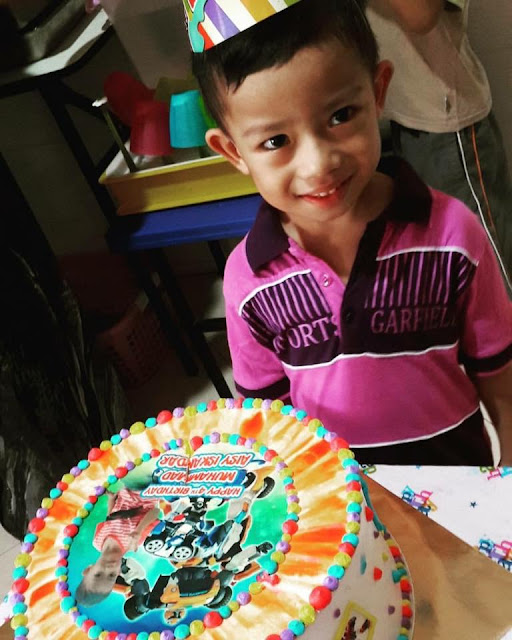 August 2016: Celebration Aisy 4th Birthday at School