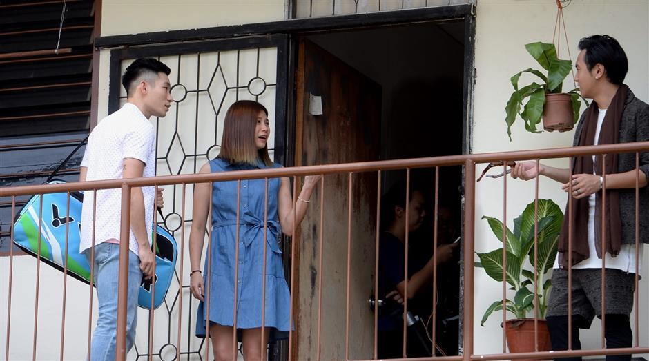 Chan Peng Soon, Goh Liu Ying together with Mediacorp actor Ian Fang during a shoot for Goodbye Mr Loser at a flat in Wangsa Maju, Kuala Lumpur.