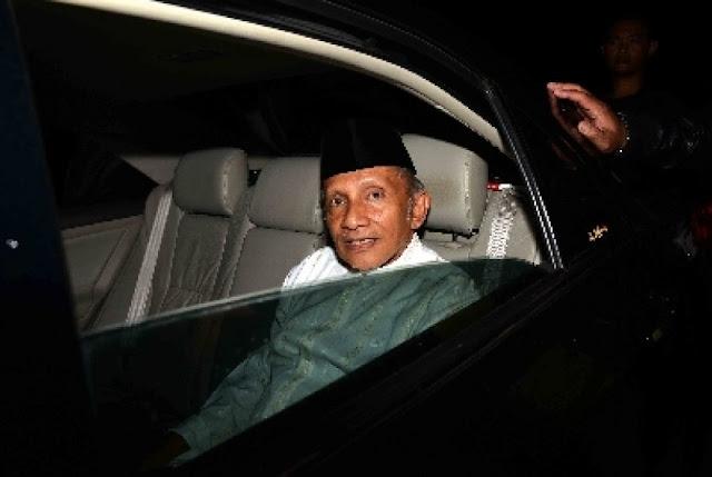 Amien Rais: Pemerintahan Jokowi Didukung Kekuatan Siluman, Apa Makna Sebenarnya…?