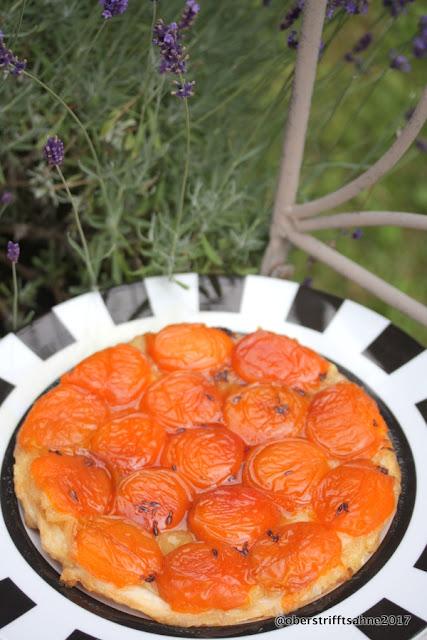 Tarte Tatin mit Aprikosen und Lavendel