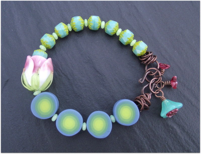 https://www.etsy.com/listing/159419465/green-bracelet-rose-bud-bracelet?ref=shop_home_active_10